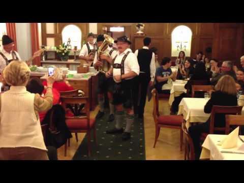 Löffel und Harmonika in München