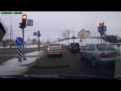 Ужасная настройка светофора вынуждает нарушать ПДД