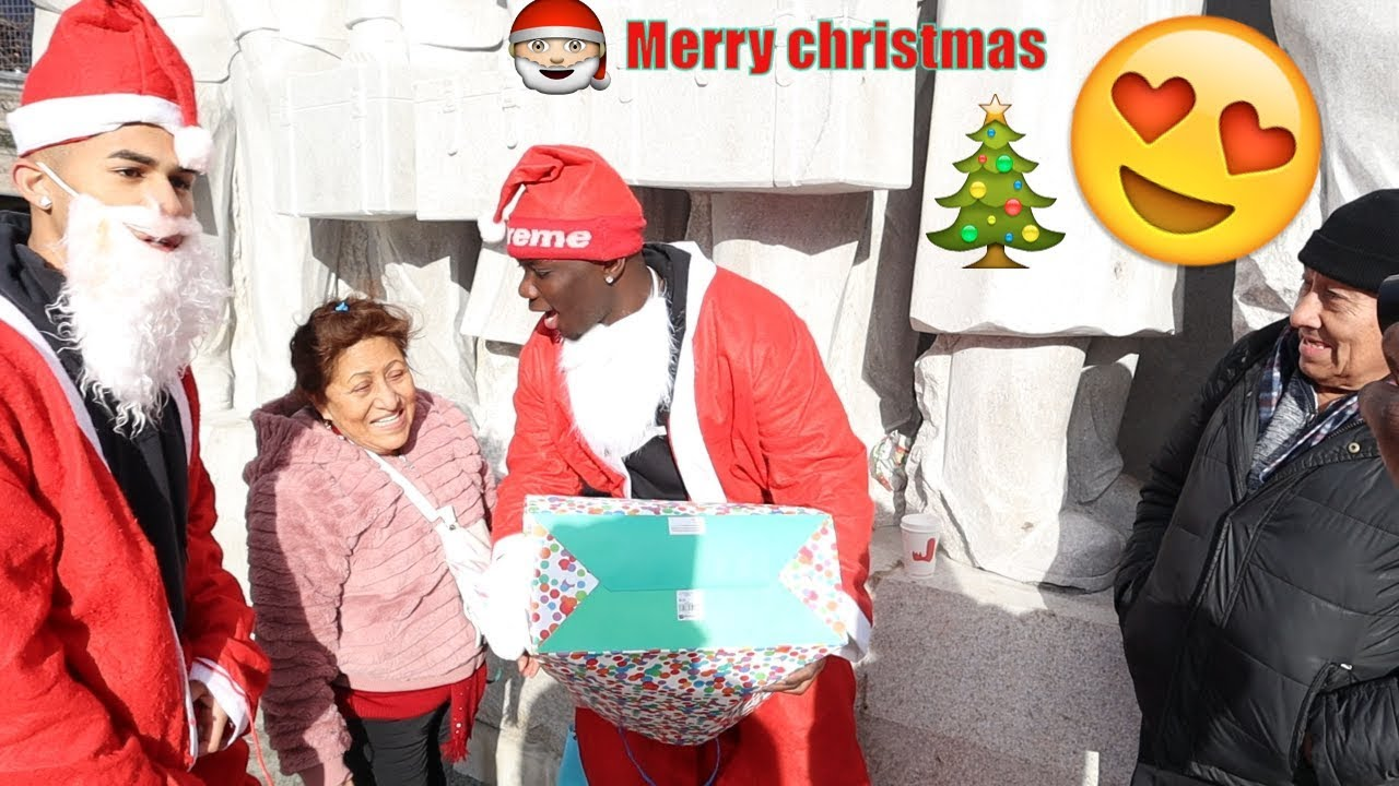 WE GOT CHRISTMAS GIFTS FOR THE HOMELESS *BEST DAY EVER