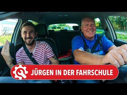 Jürgen in der FAHRSCHULE | Fährt er besser als Holger? Würde er nach 44 Jahren die Prüfung bestehen?