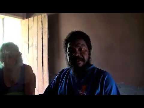 Ruben explains the pronounciation of the word 'Akaija'