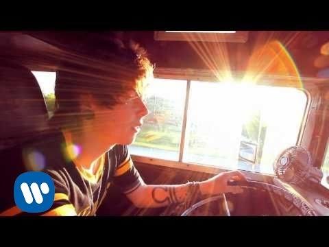 Never Shout Never - lovesick (Video)