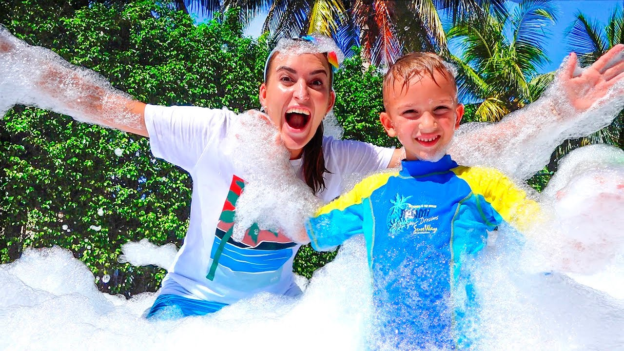 Download Vlad and Nikita have a bubble foam party