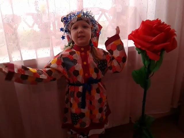 Изображение предпросмотра прочтения – ЛизаСафонова читает произведение «Сказка-прибаутка» (Русский фольклор )