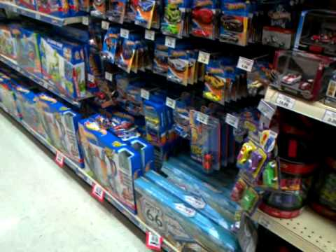 hot wheels matchbox and greenlight collectibles peg checking at toys r us mt gravatt youtube. Black Bedroom Furniture Sets. Home Design Ideas