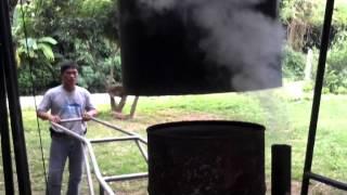 Repeat youtube video การเผาถ่าน ด้วยเตาลอยฟ้า