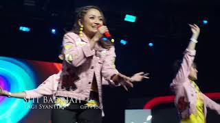 Gambar cover Siti Badriah Terharu saat 8 ribu orang menyanyikan lagu Lagi Syantik #YTFFID 2018