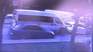 Kalp krizi geçiren servis şoförünün kaza anı güvenlik kamerasında