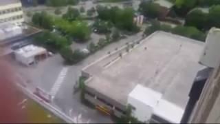 بالفيديو.. اللحظات الأولى لإطلاق منفذ هجوم ميونيخ النار على رواد المركز التجاري