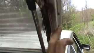 Что сделать с дверью багажника гремит постоянно. Сделай Сам!