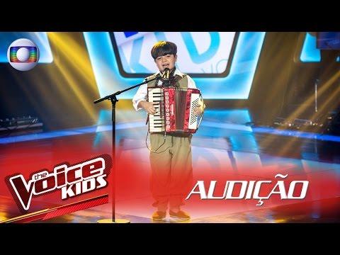 Thomas Machado canta &39;Beijinho Doce&39; na Audição – The Voice Kids Brasil  2ª Temporada