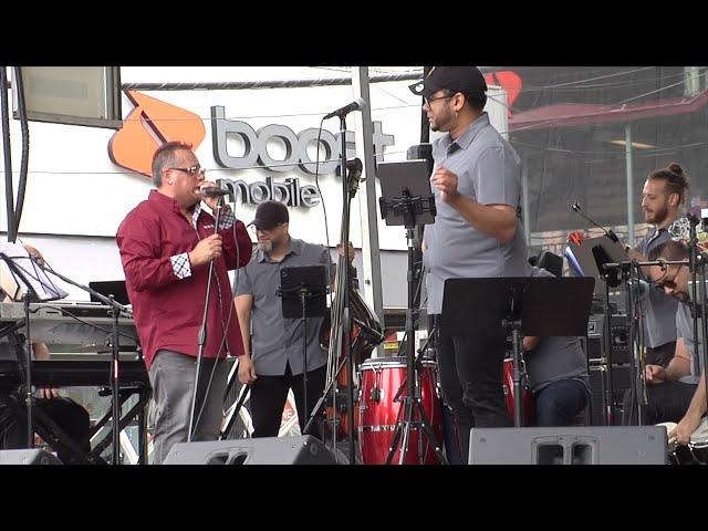 Manny Mieles Canta Nunca te falle en Morrison Ave  Festival Bronx N Y