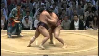 綱取り稀勢の里三日目に土 sumo kisenosato tochiozan.