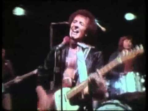 The Hollies - Don't Let Me Down (with lyrics) mp3