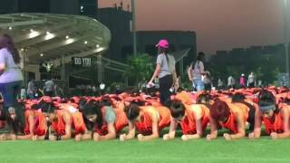 Jacqueline Fernandez And Sakshi Malik At Guinness World Record For Abdominal Plank Position