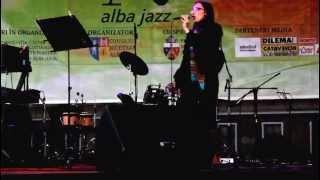 Vine Hulpe, Take5 - White City Band