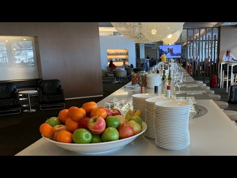Qantas Business Lounge - Sydney International Airport
