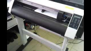 видео: Плоттерная резка, наклейки на автомобиль