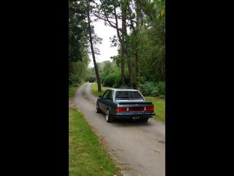 BMW E30 m60 v8 burnout 340i louvre stance