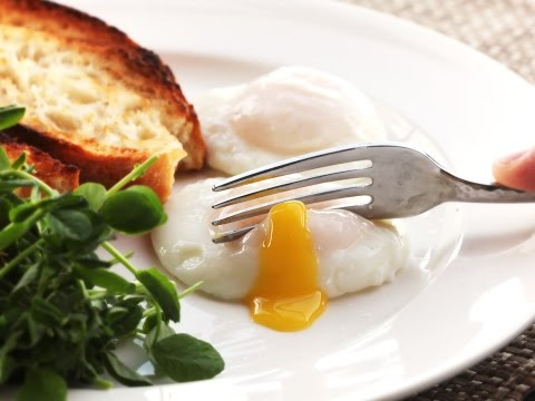 The Food Lab: How To Poach Eggs