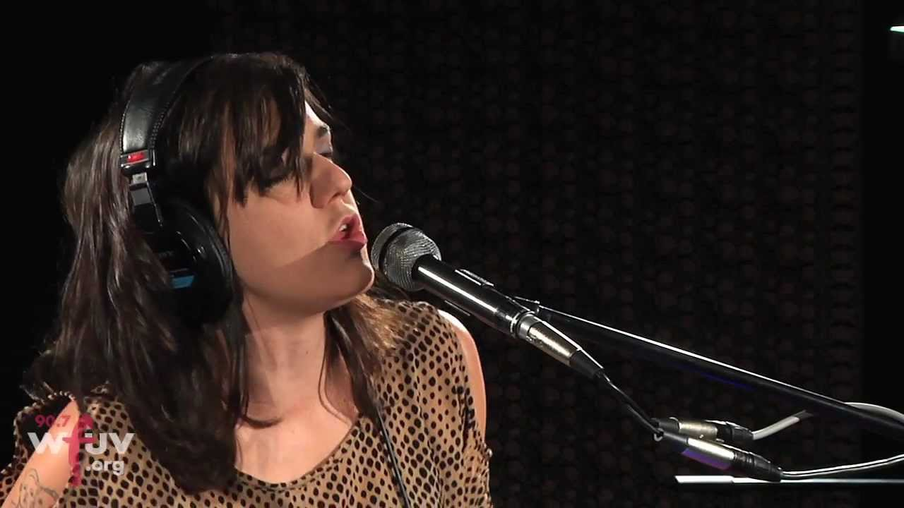 emily-wells-mama-s-gonna-give-you-love-live-at-wfuv-wfuv-public-radio