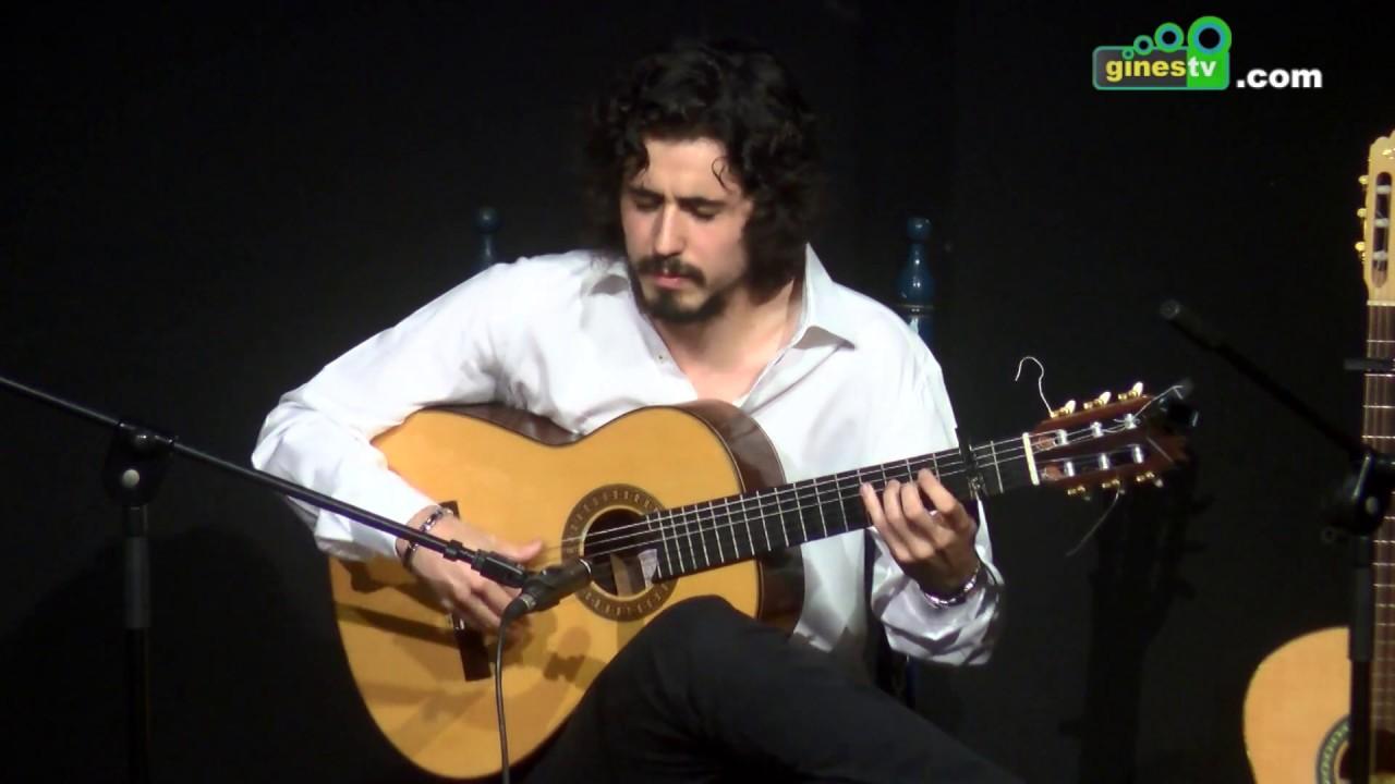 Marcos Serrato y el alumnado de la Escuela de Música inauguran el Festival Flamenco de Gines