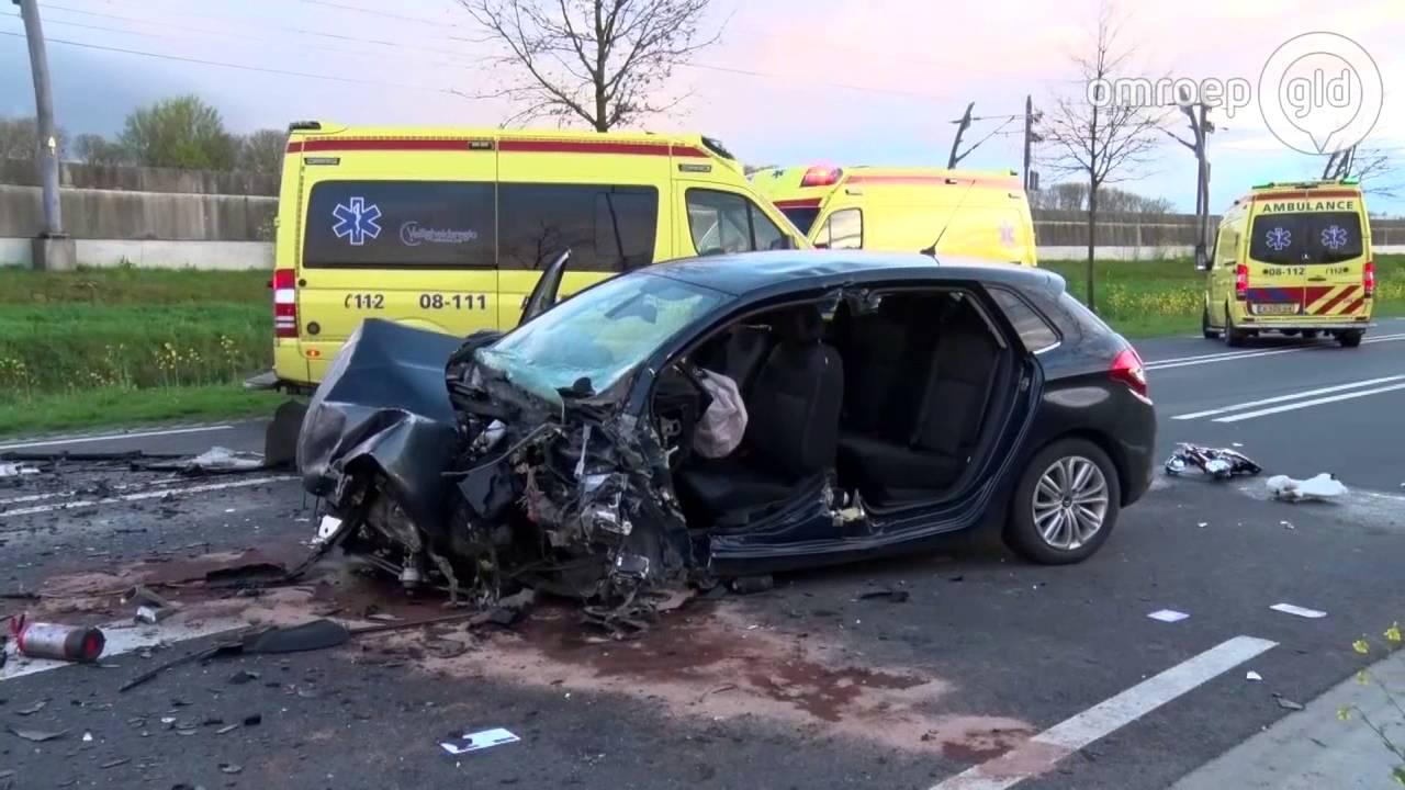 Dode En Vijf Gewonden Bij Ongeval In Tiel Politie Doet Onderzoek