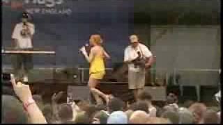 Ivy Queen cantando Yo quiero bailar & Que lloren live
