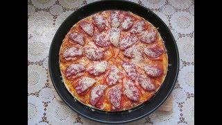 Недорогая пицца в микроволновке на готовом тесте (готовой основе), быстро и вкусно