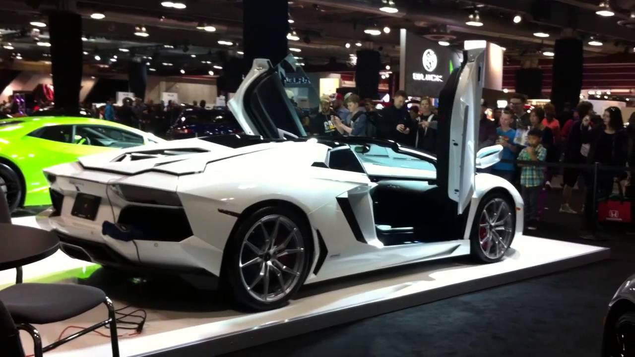 Lamborghini Aventador Roadster Doors Open - Calgary Auto Show 2015 - YouTube & Lamborghini Aventador Roadster Doors Open - Calgary Auto Show 2015 ... pezcame.com