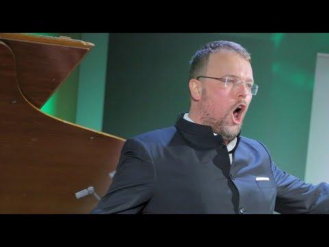 Tomasz Konieczny: dla młodych śpiewaków jestem starszym rzemieślnikiem