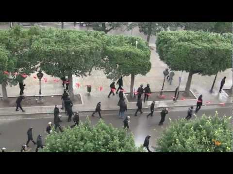 Assassinat de Chokri Belaid: brutalité policière sur l'avenue Habib Bourguiba
