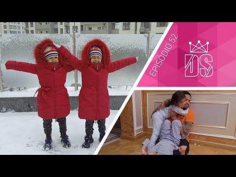 A neve chegou aqui em Kiev! Gêmeas brincando em casa | Episódio 52