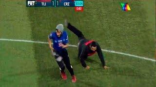 Aficionado se mete a la cancha Xolos de Tijuana vs Cruz Azul 1-1 2016