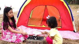 Mainan Tenda Kemah Anak di Pantai + Makan Marshmallow Bakar 💖 Let's Play Jessica Jenica