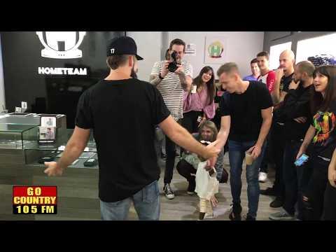 Thomas Rhetts Wife Lauren Surprises Him at Los Angeles Pop Up Shop