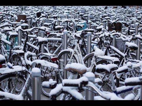 Danish daily life: Do Danes bike in the snow?