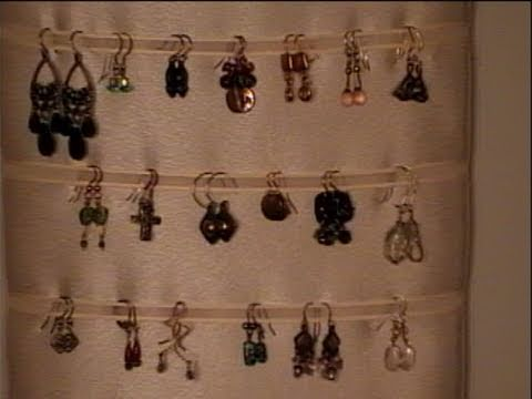 how-to-make-an-earring-organizer---great-gift-idea