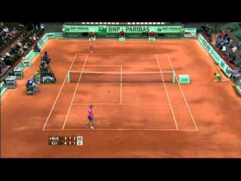 מהלך טניס מוזר