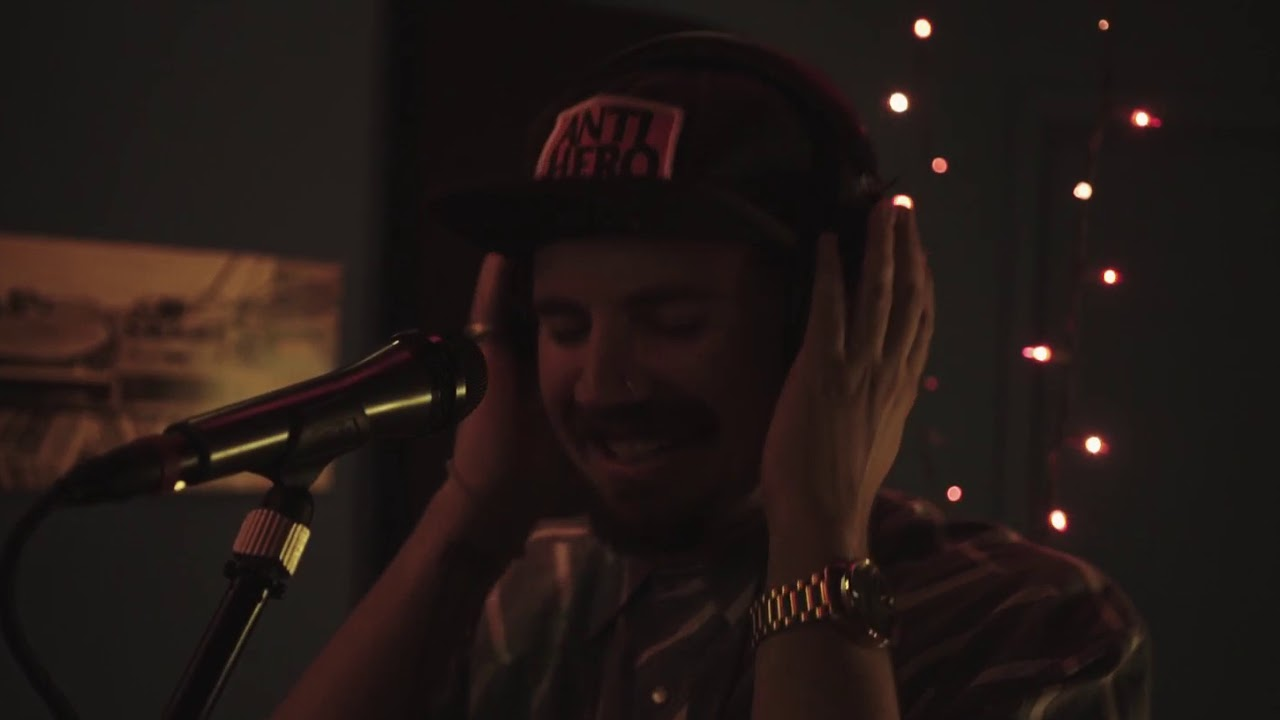"""Mouse Powell Performs """"Clouds"""" Live at B&K Sound Labs"""