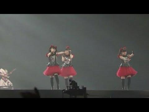 BABYMETAL・幕張ライブ『かかってこいよー!』2万5千人のダメジャンプ!もうすでにオンリーワンです