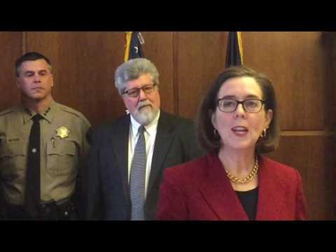 "Oregon governor challenges Trump immigration order, potential ""Muslim registry"""
