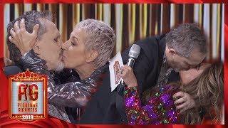 ¡Miguel Bosé reparte besos entre sus compañeras! | Pequeños Gigantes