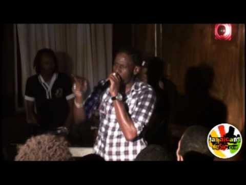 Aidonia acapella and Evil Head at Italee, Quizz & Friends (Part 2)
