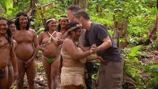 Frank de Boer krijgt tikken op balzak van Huaorani-vrouw - VOETBAL INSIDE