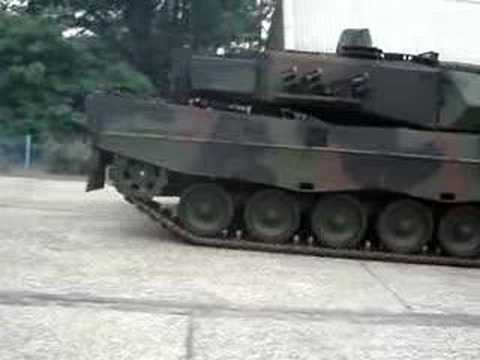 Leopard 2 Drive By