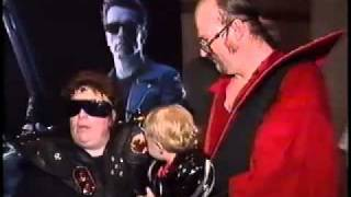 Arnold Schwarzenneger & James Cameron at the Official Terminator 2 Convention!