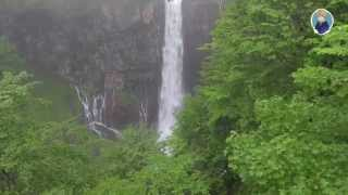Япония. Красивый 100 метровый водопад, отнимающий жизни