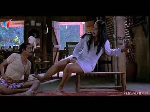 Anushka shetty  hot in rudramadevi