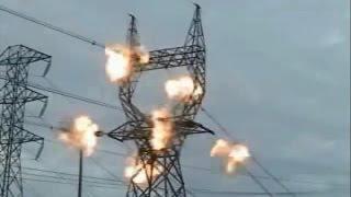 Взрывной способ опрессовки арматуры ЛЭП (Explosive way crimp fittings power lines)(Взрывной способ опрессовки наиболее перспективен на монтаже проводов ВЛ 220 кВ и выше в труднодоступных..., 2014-09-05T11:00:00.000Z)